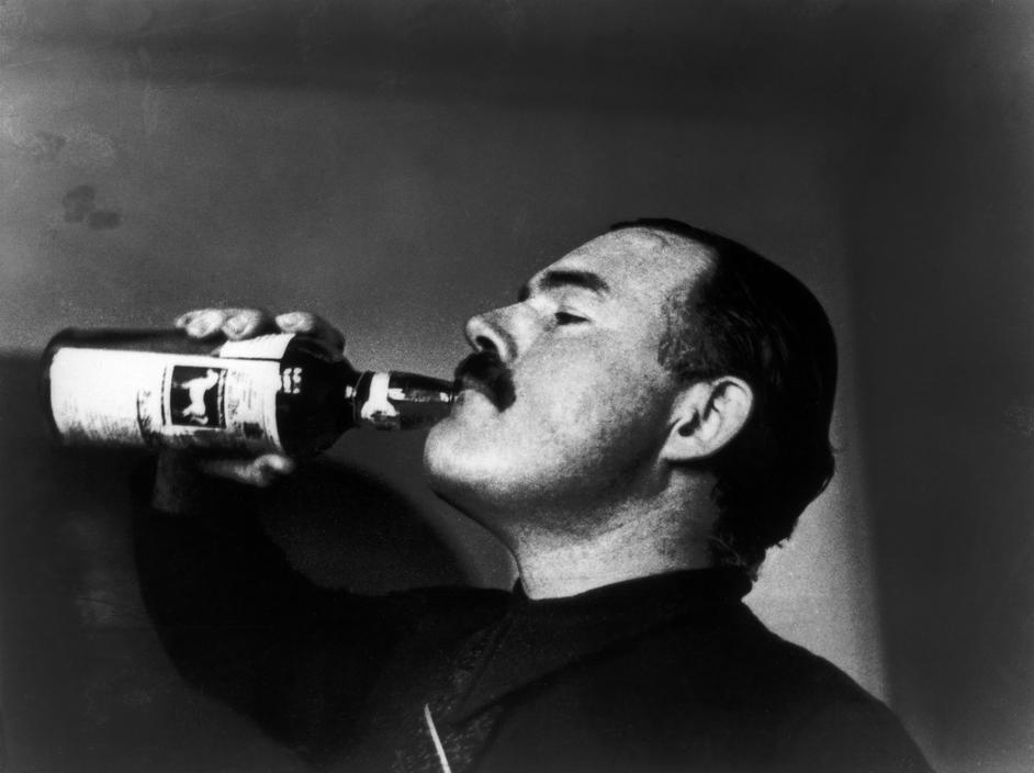 Ernest Hemingway. Foto:  Robert Capa, 1937